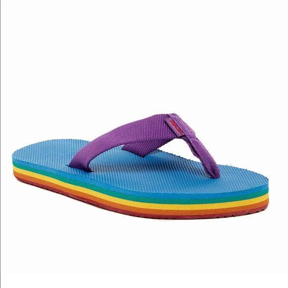 479436f299454 Teva Rainbow sandals 🌈